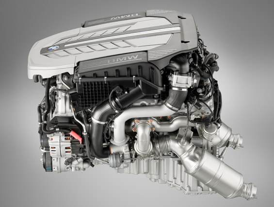 BMW 12 cylinder gasoline engine with TwinPower Turbo (Image: BMW Group)