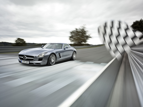 Expect to see this car also in Formula One - as Safety Car (Image: Daimler)