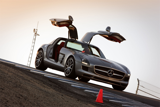Mercedes-Benz SLS AMG debutes at the L.A. Motor-Show (Image: Daimler)