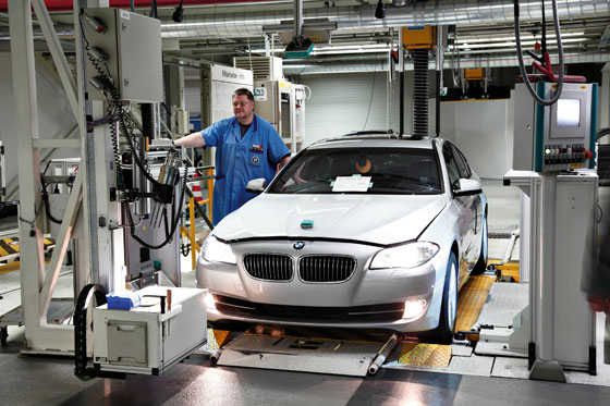 Production in Dingolfing, Germany (Photo: BMW)